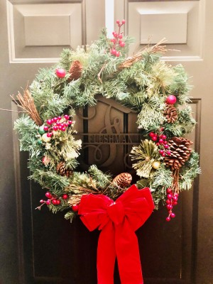 This image has an empty alt attribute; its file name is wreath.jpg